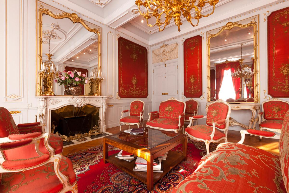 deco salon rouge et blanc inspiration de decor en sduisant deco maison rouge et gris with deco. Black Bedroom Furniture Sets. Home Design Ideas